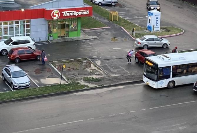Брянские власти решат вопрос со «свинской» остановкой на Горбатова