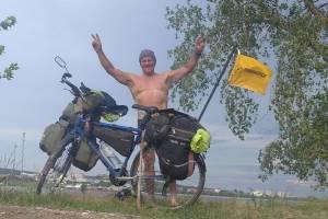 Путешествующий на велосипеде житель Жуковки добрался до Волги