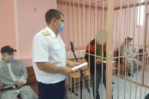 В Клинцах избивший сотрудника ФСИН уголовник оскорбил судью