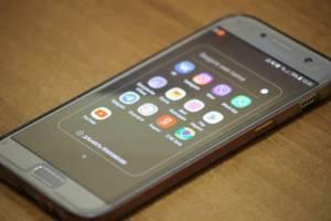 В Брянске женщина похвалила полицию за найденный телефон