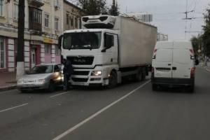 В Брянске из-за ДТП с фурой на Фокина образовалась пробка