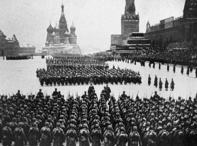 В Брянске ищут участников парада на Красной площади 7 ноября 1941 года