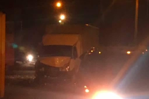 В Брянске на улице Речной из-за жуткого ДТП образовалась пробка
