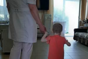 В Брянске истощенная семилетняя девочка начала набирать вес