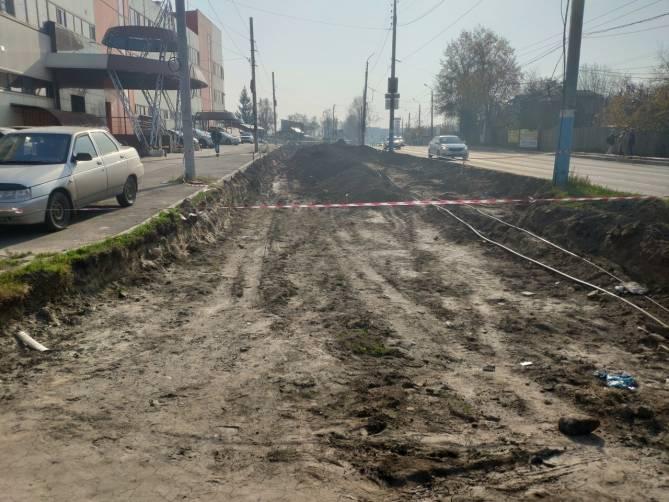 В Брянске возле Городищенской горки снесут шиномонтаж