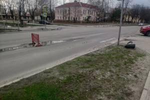 В Брянске оградили смертельно опасную ловушку у Театра кукол