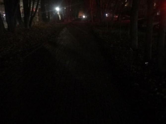Улица Брянского Фронта погрузилась в кромешную тьму