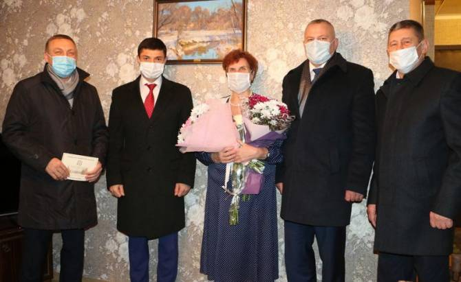В Брянске поздравили с праздником матерей Героев России