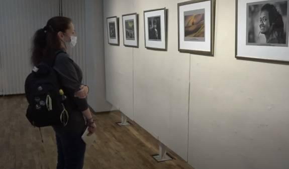 В брянском художественном музее открылась новая фотовыставка