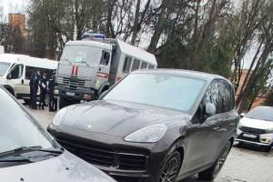 В Брянске появился автозак у Круглого сквера