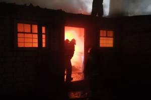 Под Новозыбковом потушили пожар в придорожном кафе «Русь»
