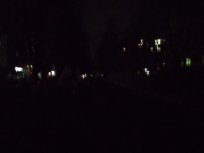 В Брянске пожаловались на темноту возле детской больницы