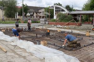 В Брянске начали строить новый фонтан в Пролетарском сквере