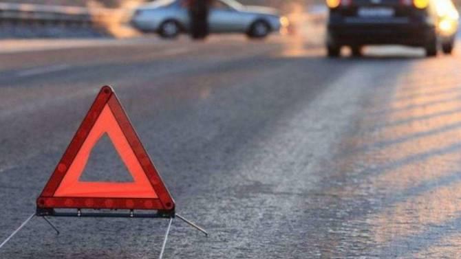 Под Навлей КАМАЗ протаранил легковушку: пострадал 7-летний ребенок