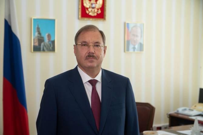 Брянский депутат Борис Пайкин поздравил россиян с Днём Конституции