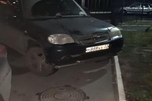 В Брянске заметили автохама с красивым номером