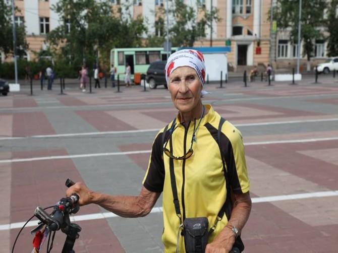 Брянскую область посетила старейшая велопутешественница России