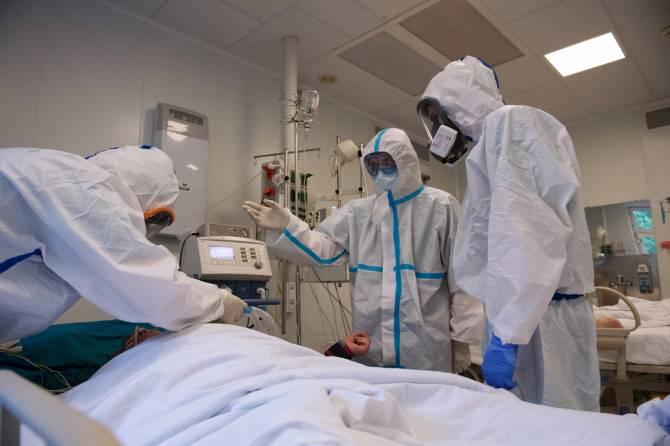 Как в брянском госпитале лечат коронавирус: «Это похоже на войну»