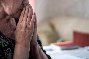В Брянске 61-летняя пенсионерка попалась на развод мошенника в соцсети