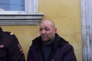 В Брянске закатавший мужчину в бетон бандит отправится в колонию