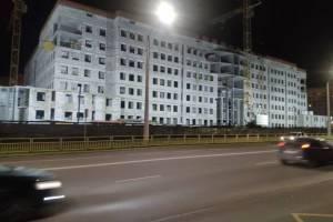 В новом здании брянского УМВД начали установку стеклопакетов