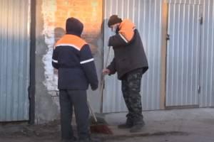 В Сураже на помощь коммунальщикам в борьбе с гололедом вышли осужденные