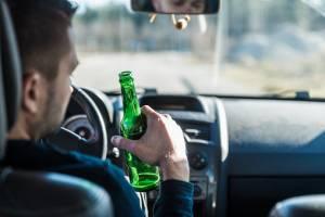 Брянцы сдали полиции 44 пьяных водителя
