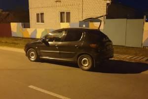 В Новозыбкове 53-летний водитель Peugeot устроил пьяные покатушки