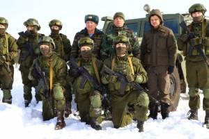 В Клинцах спецназовцы показали школьникам свою мощь
