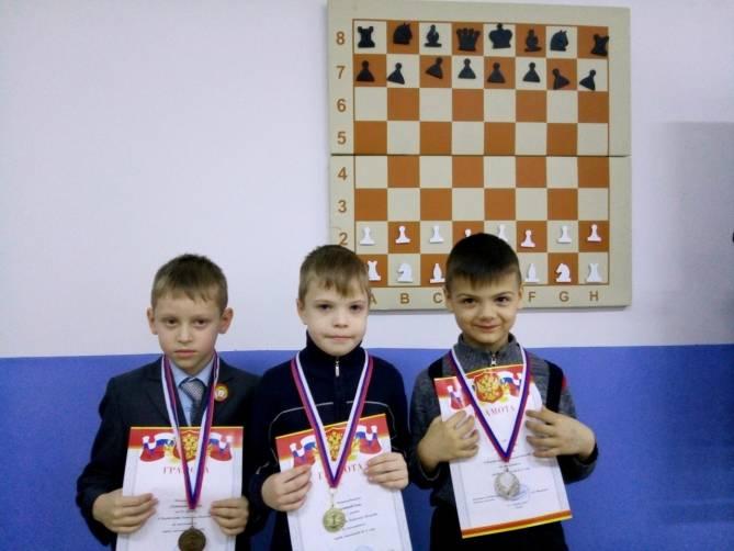 Юные брянские шахматисты сразились за корону областного первенства