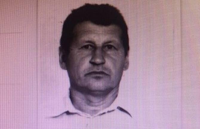 Полдня продолжается поиск стрелка в брянского полицейского