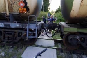 Жители Дятьково продолжают рисковать жизнями на железнодорожной станции