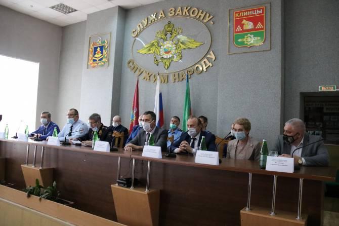 Клинцовскую полицию возглавил подполковник Александр Есаулов