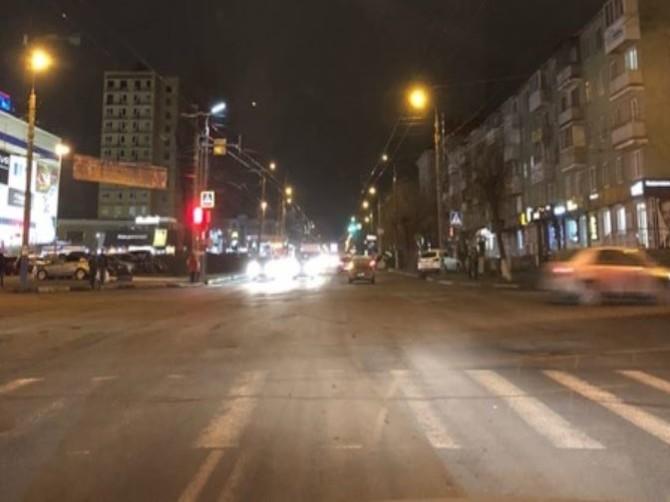 Брянские водители пожаловались на тусклое освещение улиц