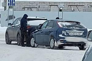 В Брянске на Литейной столкнулись две иномарки
