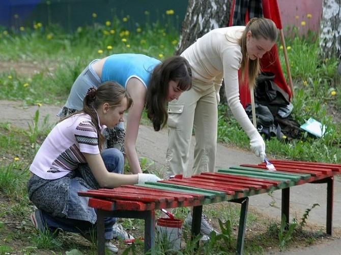 Директора выгоничских школ забыли заплатить за труд подросткам