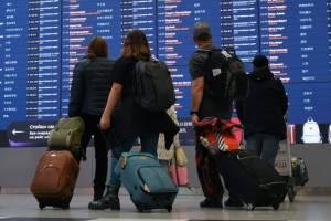 Россияне смогут выехать за границу для лечения, учебы и работы