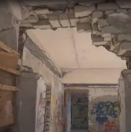 В Выгоничах дети облюбовали аварийное здание бывшей МТС