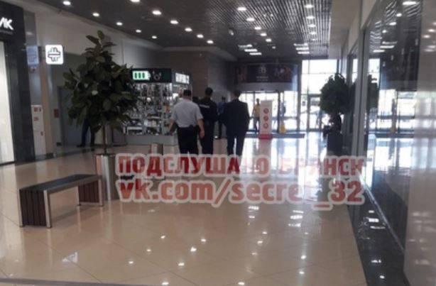 В Брянске полиция пришла с проверкой в ТРЦ «Аэропарк»