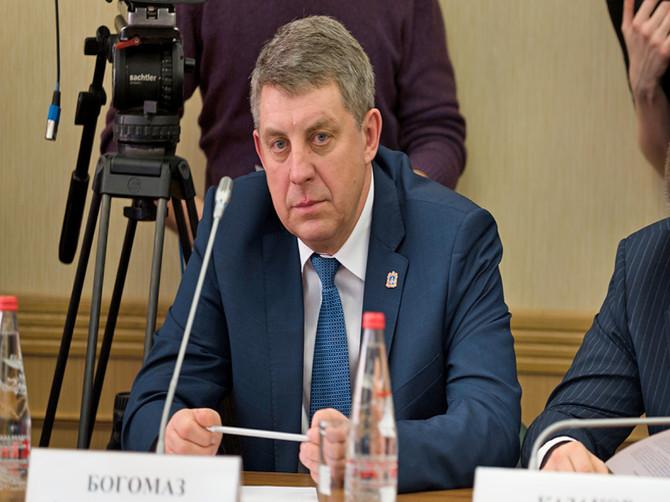 Брянский губернатор Богомаз запретил поборы в детсадах и школах