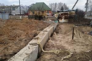 В брянском поселке Локоть начали строить магазин