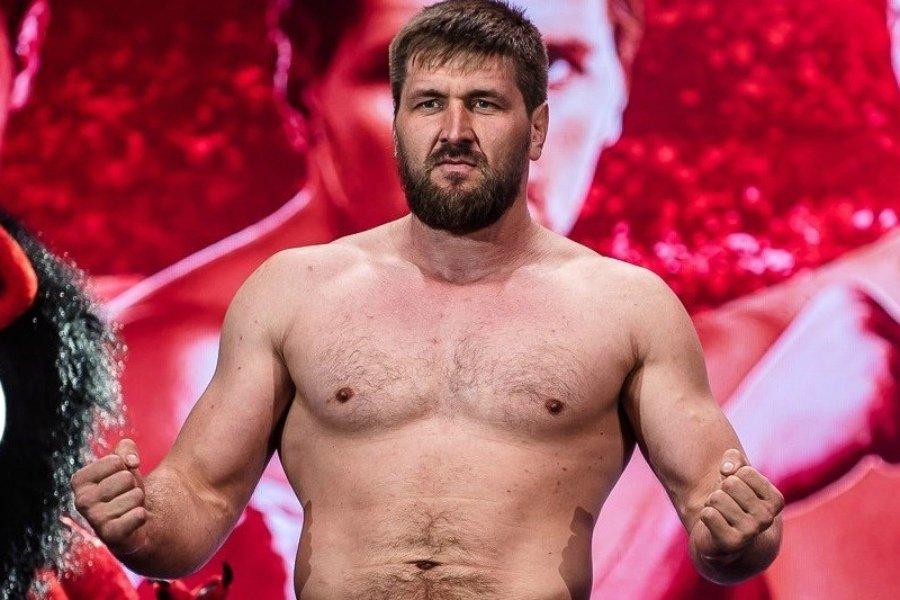 Новым соперником брянского бойца Минакова в Bellator станет американец Айяла