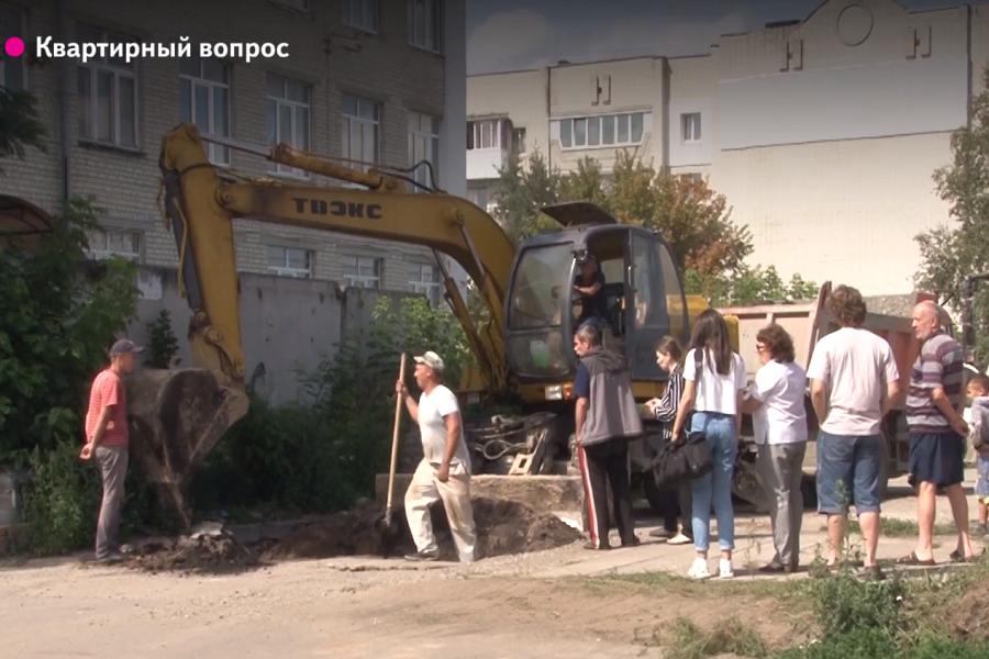 В Брянске жители Спартаковской улицы рассказали о разрушающемся доме