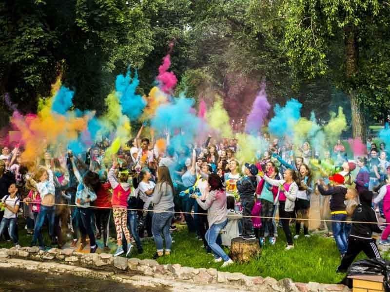 Жители Новозыбкова ярко попрощались с летом