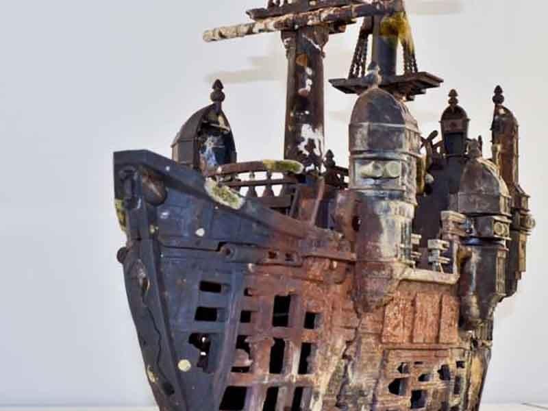 В Брянске дайверы подняли со дна Десны пиратский корабль