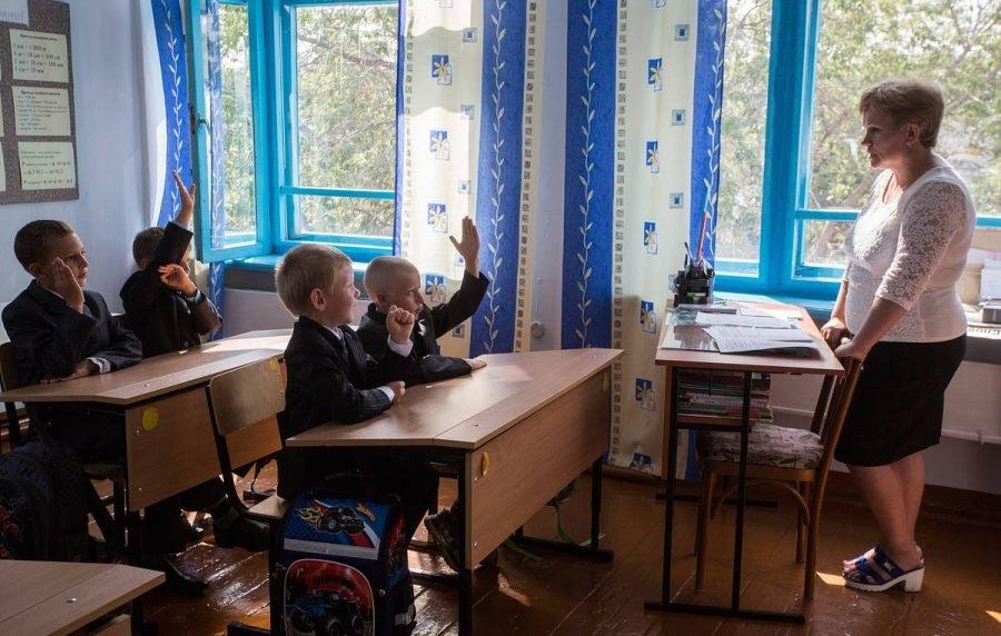 Школьную форму Брянской швейной фабрики проверило Роскачество