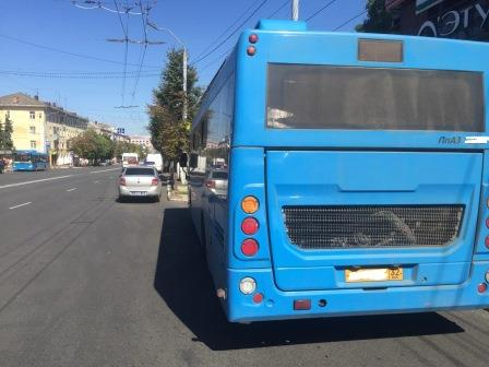 В брянском автобусе пострадала 84-летняя женщина