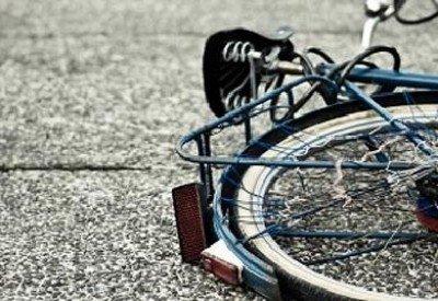 В Суражском районе неизвестный водитель сбил велосипедистку и скрылся