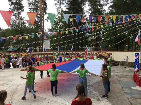 Брянские общественники устроили праздник для детей в санатории «Снежка»