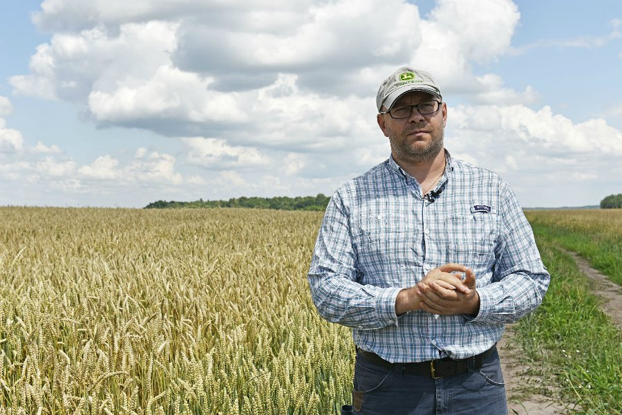 Президент Путин объявил благодарность брянскому фермеру Добронравову